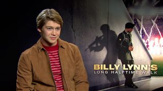 "Joe Alwyn debuta como actor en Billy Lynn: ""Fue surrealista verme en la pantalla"" 